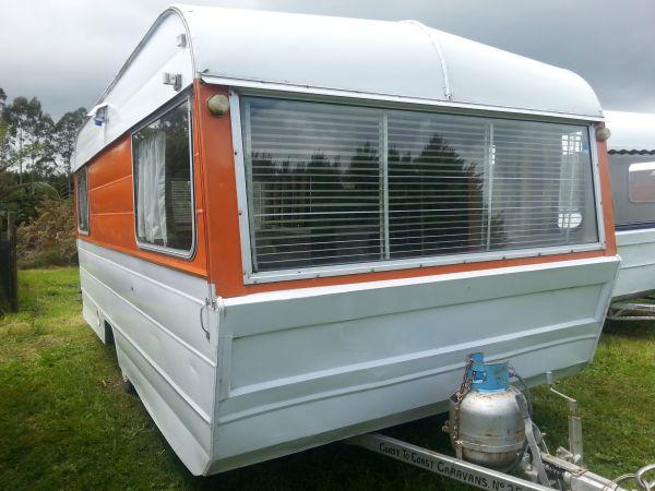Rental-caravan-Van 25-Oxford-15ft (1)